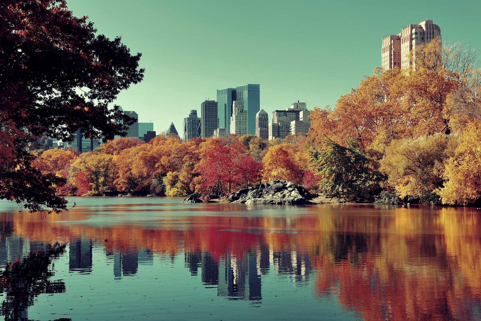 Отпуск в октябре. Куда поехать? Источник фото: Shutterstock