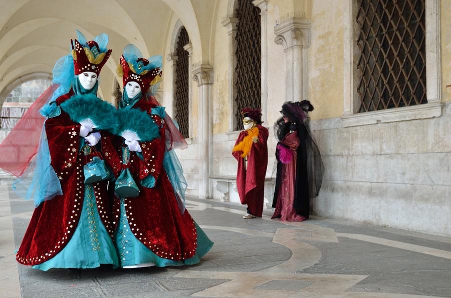 На улицах Венеции во время карнавала