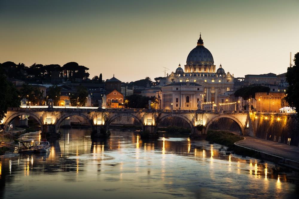 Ватикан вечером