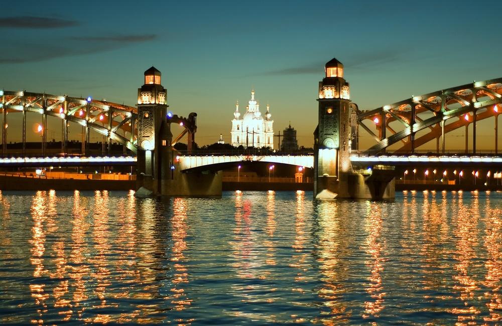 Короткие белые ночи Петербурга
