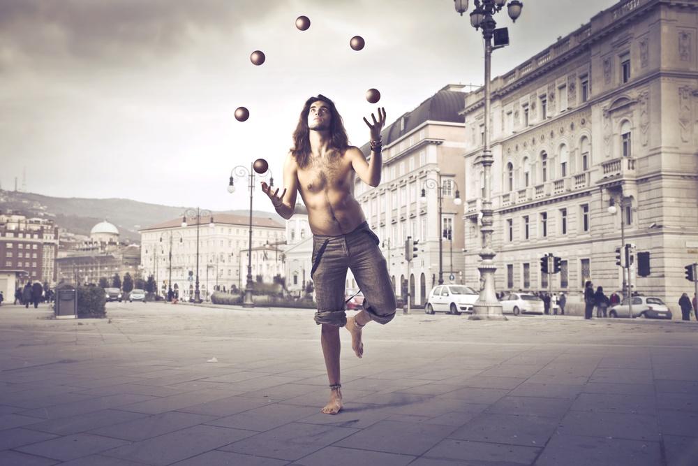 Сегодня Всемирный день жонглирования