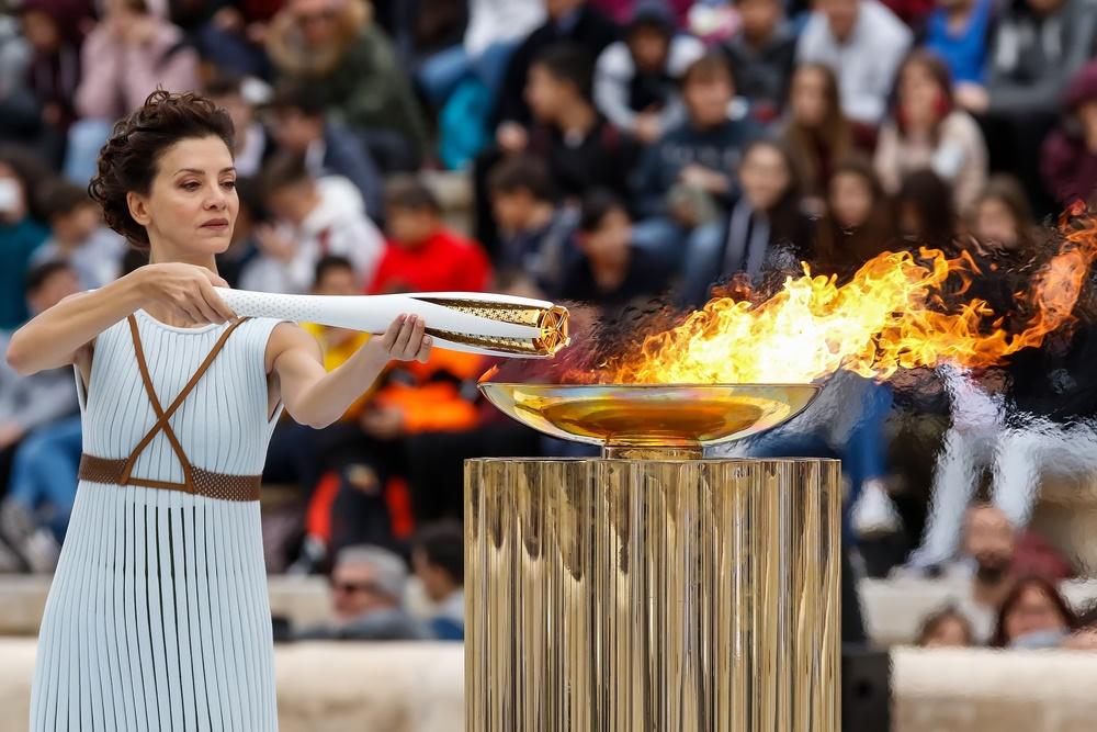 Гори, Олимпийский огонь!