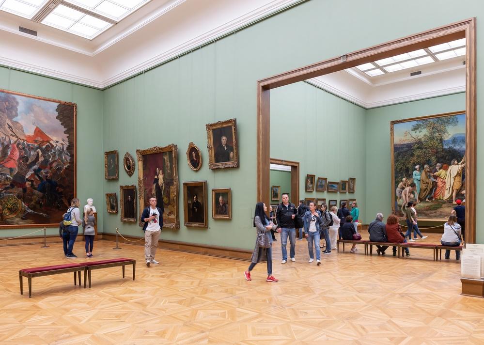 В залах Третьяковской галереи