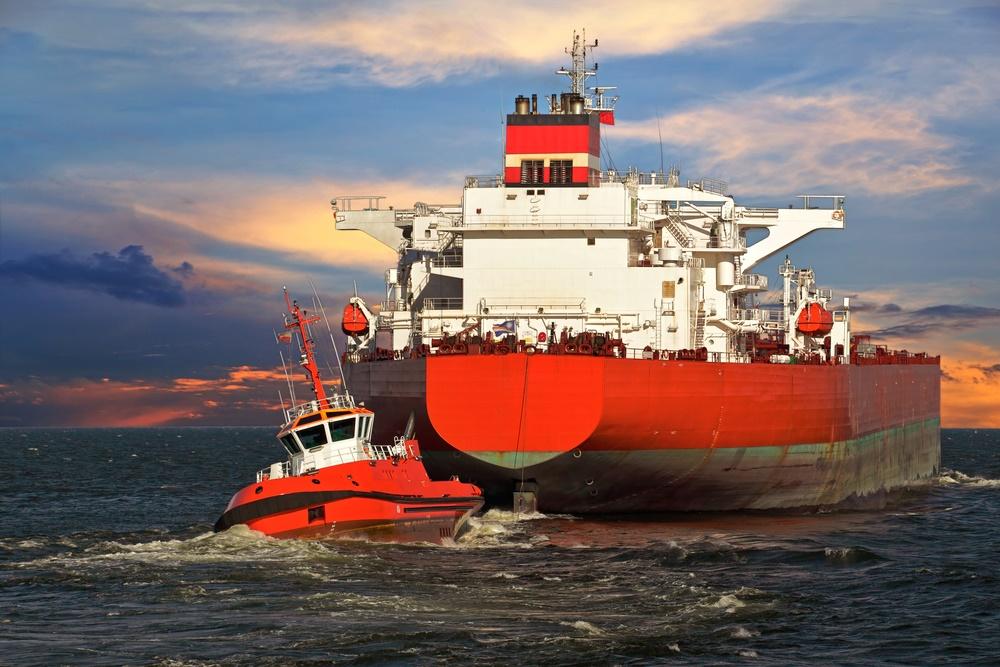 Буксировка современного танкера