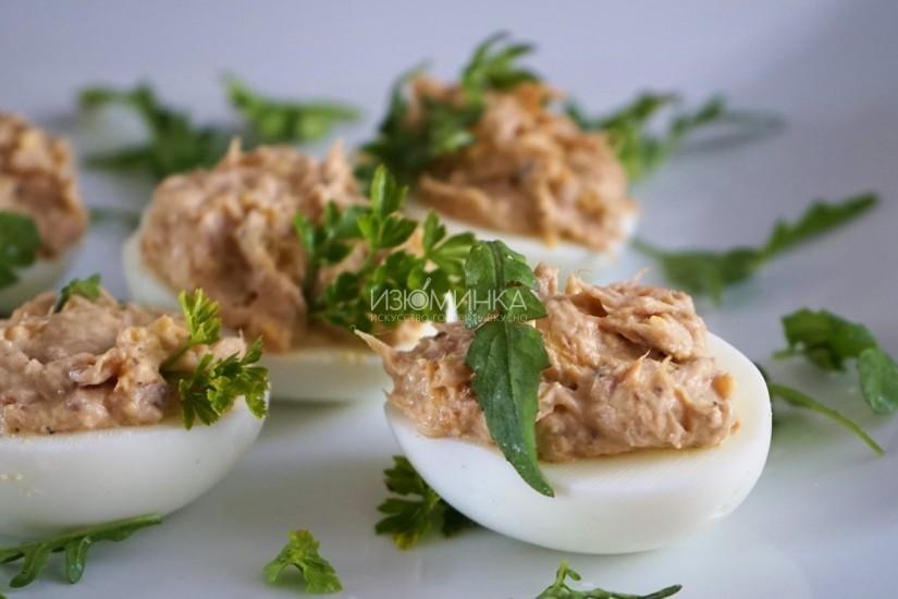Быстрая и вкусная закуска: яйца, фаршированные тунцом