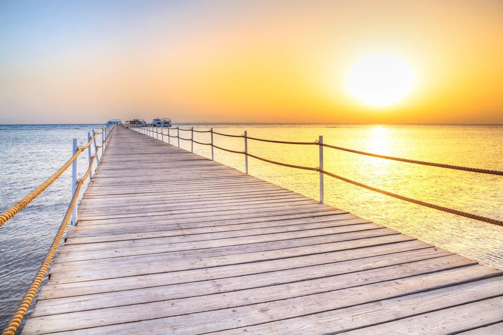 Восход Солнца на побережье Красного Моря