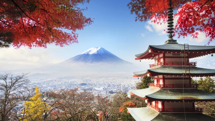 Вид на Фудзияму. Япония
