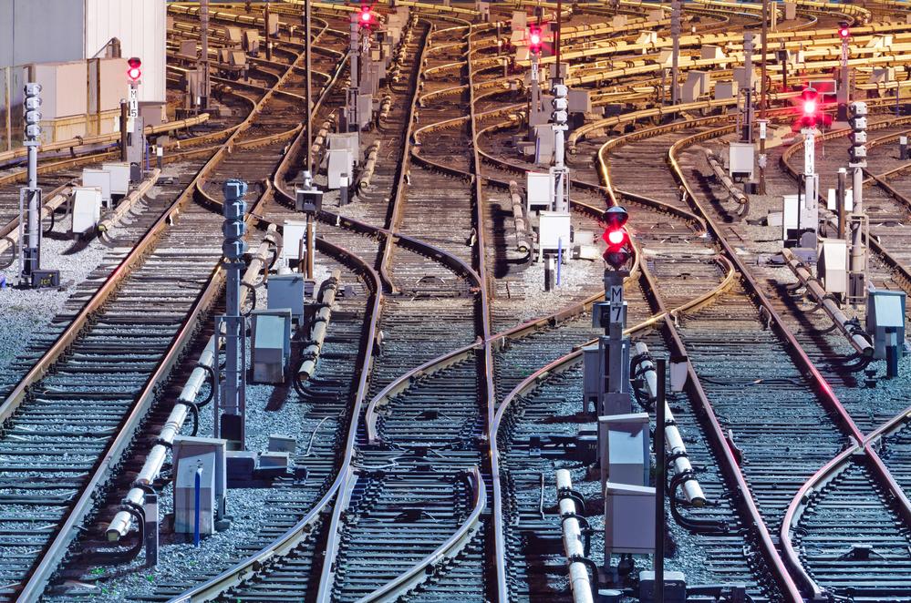 6 августа - День железнодорожных войск