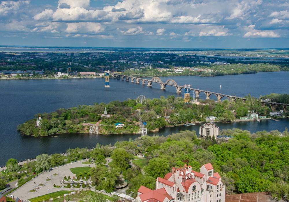 Вид на Днепр в районе г. Днепропетровск