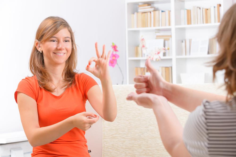 23 сентября, четверг: Международный день жестовых языков, Всемирный день бестраншейных технологий, День рождения жвачки и многое другое