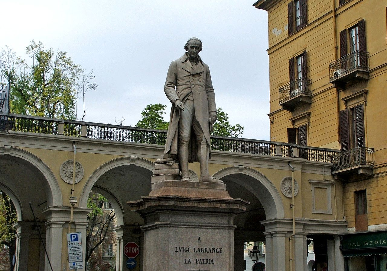 Памятник Жозефу Луи Лагранжу в Турине