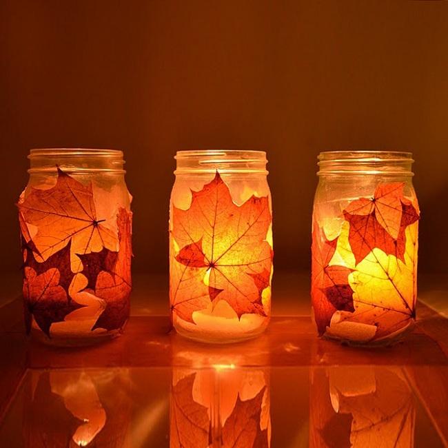 Осенний подсвечник с листьями