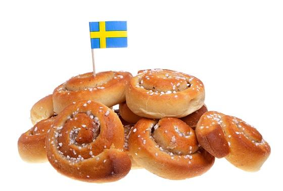 Картинки по запросу День булочек с корицей (Kanelbullens dag) картинки