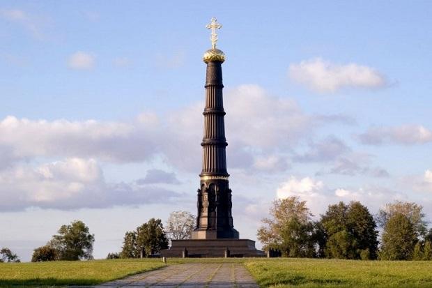 Памятник в честь победы на Куликовом поле по проекту А.П. Брюллова