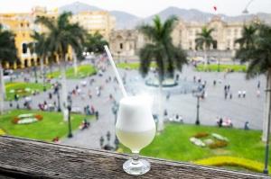 День коктейля «Писко сур» в Перу