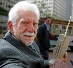 3 апреля - день мобильного телефона