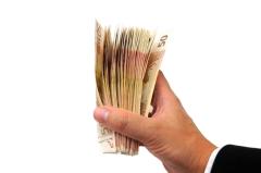 Физические лица при обмене валют массово отказываются от банковских услуг