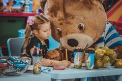 Студия творческих открытий медвежонка Барни – во что любят играть дети?