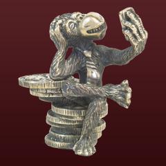 В России появились серебряные и бронзовые обезьяны