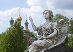 Ангелы и другие христианские образы и знаки на надгробных памятниках