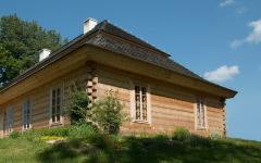 Как продлить жизнь деревянной постройки