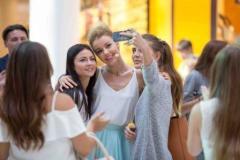 Как Always® помогает девушкам обрести уверенность? Начало сотрудничества с Юлианной Карауловой