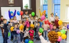 Праздник весны в Детской деревне - SOS: бренды Pantene и Safeguard провели мастер-класс и увлекательное шоу для воспитанников Детской деревени - SOS Лаврово
