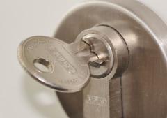За семью замками: как обезопасить свое имущество?