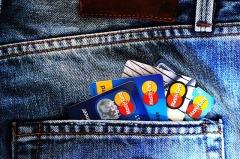 Кредитки с кэшбэк от «Ренессанс Кредит», Сбербанка и ОТП Банка стали лидерами ТОП-20 Выберу.ру в июле