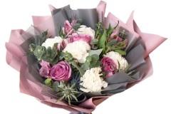 Выгодные условия доставки цветов по Москве с курьером