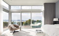 Современный тренд -  панорамные окна Rehau