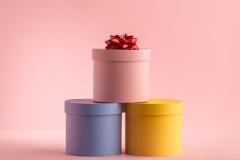 Круглые подарочные коробки, упаковочные материалы, мешки – основные преимущества, выгодная покупка