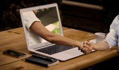 В чем преимущества и недостатки поиска на сайтах знакомств?