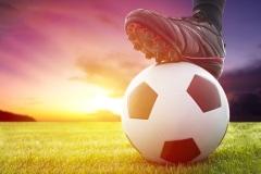 Отмечай большой футбол с АМКАЛ и Pringles