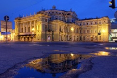 В Петербурге создан Большой театр, получивший впоследствии название Мариинского
