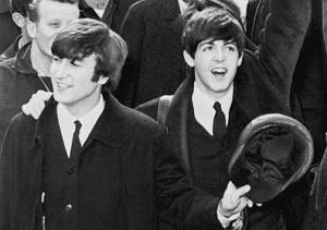 Произошла встреча Джона Леннона и Пола Маккартни
