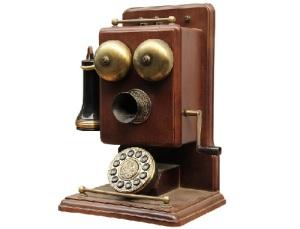Начали работу первые в России телефонные станции