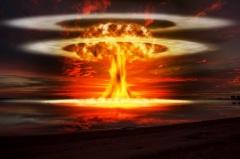 На полигоне в Лос-Аламосе произведен первый в мире ядерный взрыв