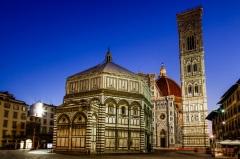 Начато строительство колокольни собора Санта-Мария-дель-Фьоре во Флоренции