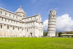 На Кафедральной площади Пизы заложили первый камень колокольни собора Санта Мария Маджоре