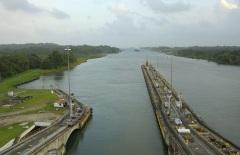 Через Панамский канал прошло первое судно