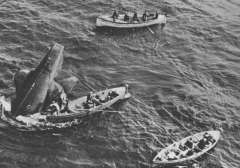Во время проведения ходовых испытаний затонула английская подводная лодка «Тетис»