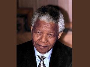 Африканский борец за права чернокожих Нельсон Мандела приговорен к пожизненному тюремному заключению