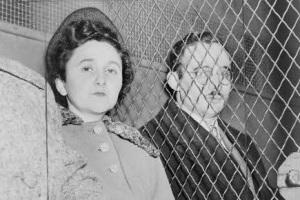 В США по обвинению в шпионаже в пользу СССР казнены супруги Юлиус и Этель Розенберг