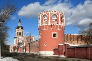 В Москве состоялась церемония перезахоронения останков генерала Деникина и философа Ильина