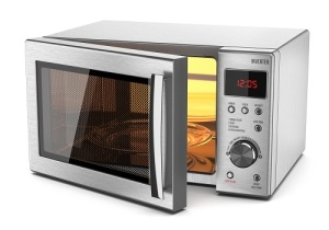 Американец Перси Спенсер запатентовал микроволновую печь