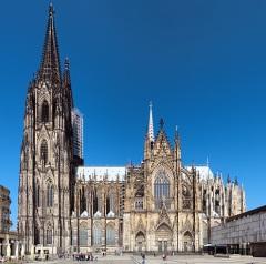 В Кельне прошло празднество в честь завершения строительства собора Святых Петра и Марии