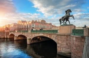 В Петербурге после реставрации торжественно открыт Аничков мост