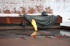 У Кремлевской стены состоялось торжественное захоронение останков Неизвестного солдата