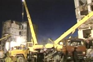 В результате теракта в Буйнакске разрушен жилой дом, погибло 58 человек